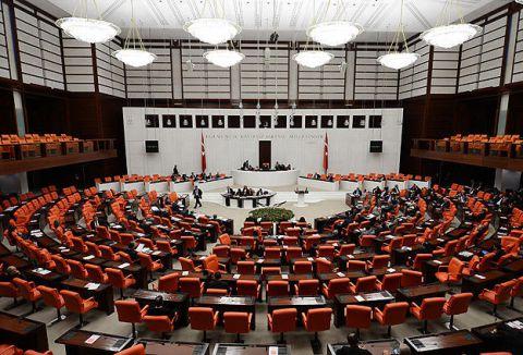Meclis olağanüstü toplandı...