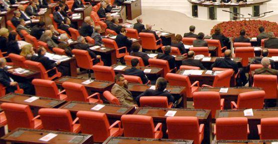 Meclis'te Kıyafet Maddesine Ayar
