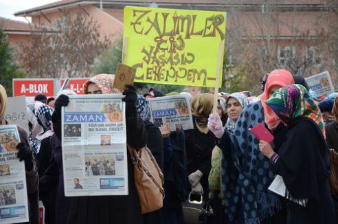 Medya darbesine tepkiler sürüyor: Biz Esed rejimi istemiyoruz