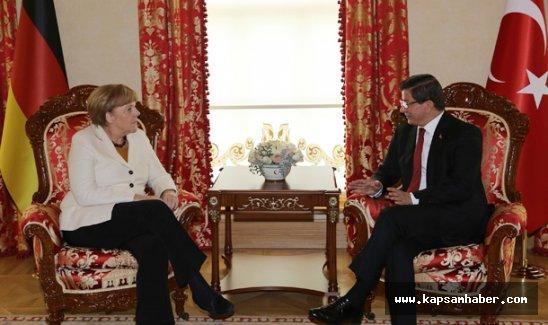 Merkel: İki ülke arasında stratejik işbirliği söz konusu