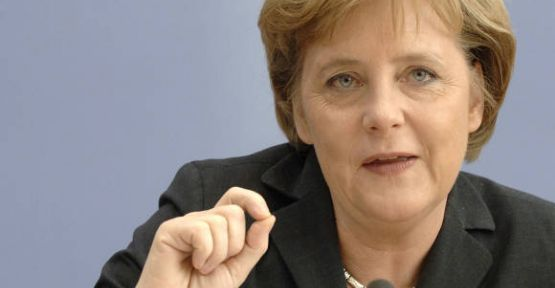 Merkel:'Türkiye'yi Yakından Takip Ediyoruz'...