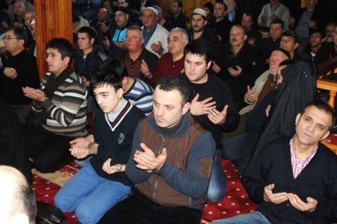 Mevlid Kandili'nde eller semaya açıldı