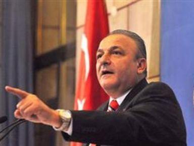 MHP'li Vural Başbakan, Kafatasçılık yapıyor...