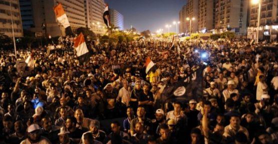 Mısır Sisi Karşı Direnmeye Devam Ediyor...