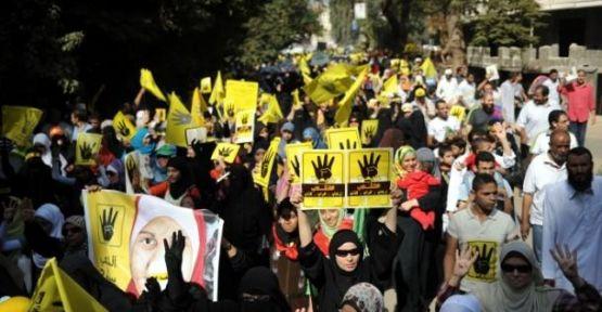 Mısır sokaklarında sessizlik hakim
