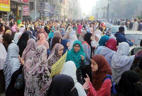 Mısır'da Cuma gösterileri...