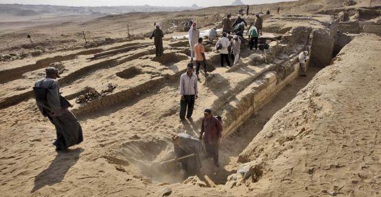 Mısır'da Firavunlar dönemine ait mezar...