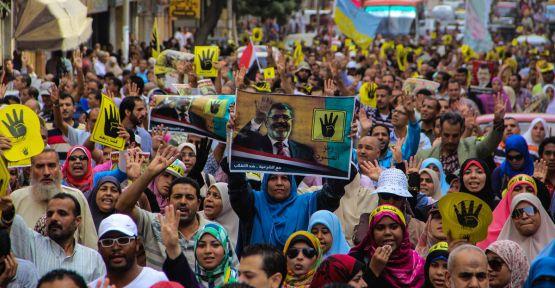 Mısır'da gösteri kanunu tartışması...