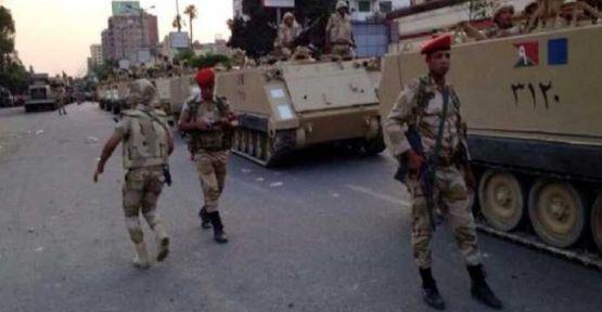 Mısır'da İki Türk Gözaltında...