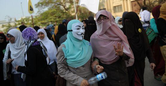 Mısır'da öğrencilere gözaltı
