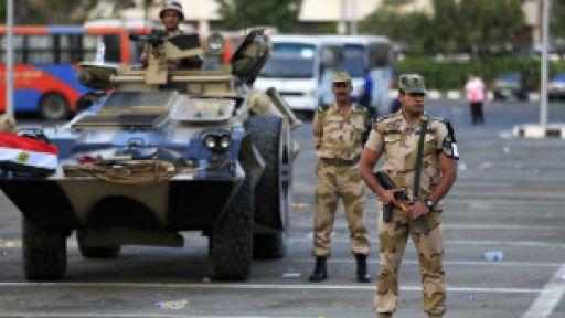 Mısır'da  ordu siyasi partileri uyardı!