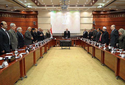 Mısır'da seçim ertelenmeyecek...