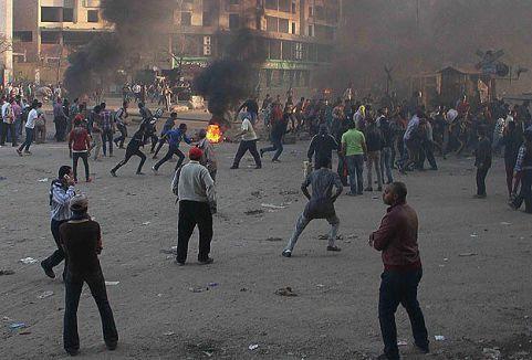 Mısır'da Sisi ve Sabbahi tarafları çatıştı...