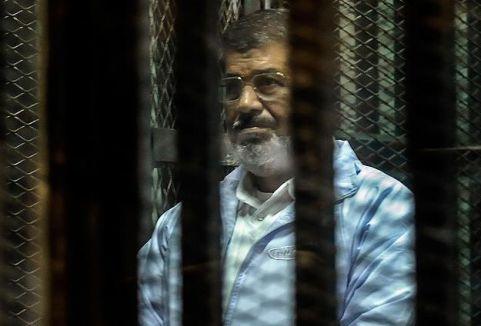 Mursi yargılanıyor...