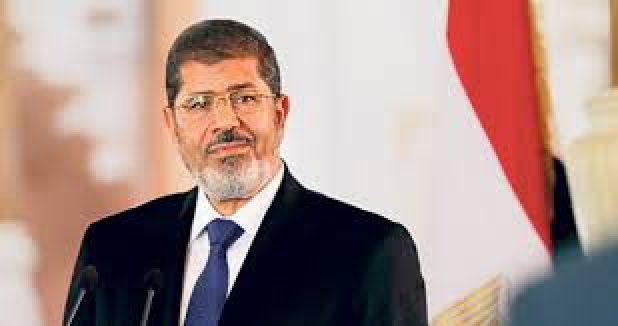 Mursi'nin bir davası durduruldu...