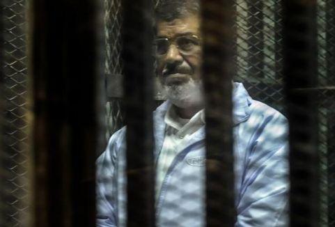 Mursi'nin yargılanması başladı