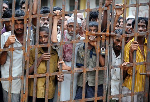 Myanmar'da Müslümanlar öldürülüyor