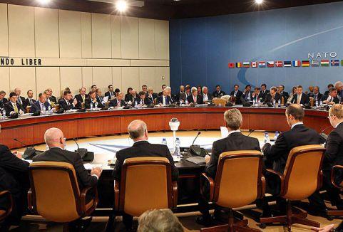NATO Rusya işbirliği askıda...