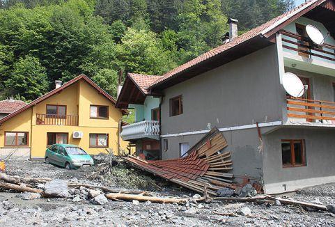 NATO'dan Bosna Hersek'e destek...