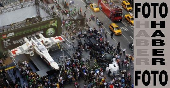 New York'a Uzay Gemisi Rüzgarı...