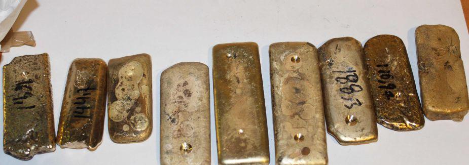Otomobilin havalandırmasında 9 kilogram külçe altın çıktı
