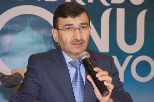 Prof. Dr. Akgül: Hz. Muhammed yaşayan Kur'an'dı
