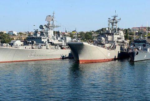 Ruslar Karadeniz donanma karargahında...