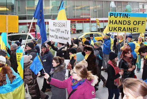 Rusya'ya Toronto'da protesto