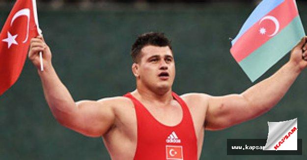 Şampiyon Kayaalp'ten Azerilere teşekkür...
