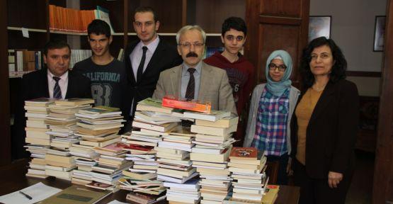 Samsun'lu Yazarlardan Eğitime Destek
