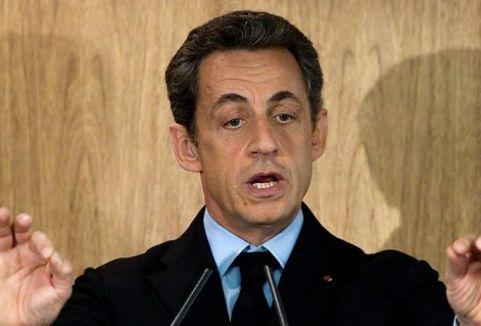 Sarkozy'nin dinlenmesi Fransa'yı karıştırdı...