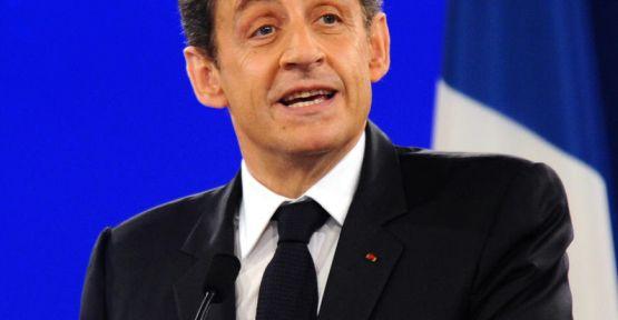 Sarkozy'ye siyaset yolu açıldı