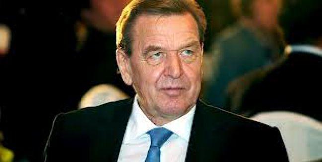 Schröder'in de dinlediği iddia edildi...