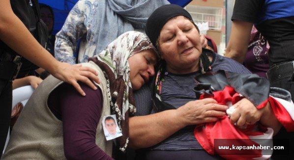 Şehit Annesi: Beni buraya gömün, oğlum üşür