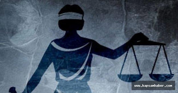 Şehit babasına mahkeme salonundan çıkma cezası
