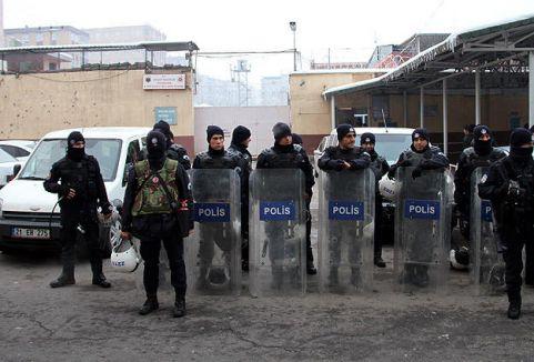 Şırnak'ta KCK davasında 14 sanık tahliye edildi...