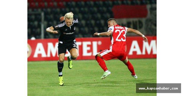 Skenderbeu: 0 - Beşiktaş: 1 (İlk yarı)