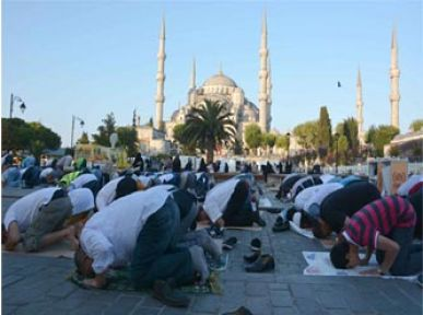 Sultanahmet Camisi Doldu Taştı...
