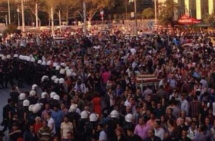 Taksim Karıştı Olaylar Büyüyor...