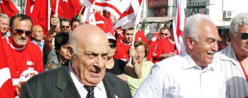 Talat Paşa Komitesi üyeleri havaalanından geri döndürülüyor