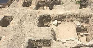 Tarsus'ta inşaat kazısında tarih yapılar ortaya çıktı