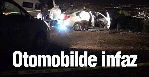 İzmir'de otomobil içinde infaz!