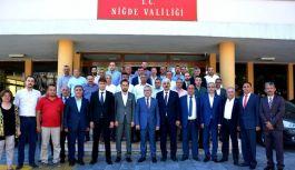 Niğde'de MHP'lilerden Vali Yılmaz Şimşek'e ziyaret