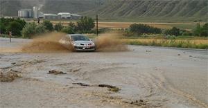 Çankırı'da etkili yağış, Ankara yolunu trafiğe kapattı