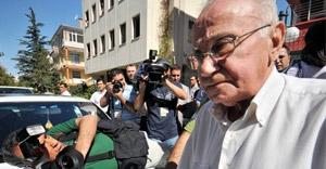 Cüneyt Arcayürek hayatını kaybetti