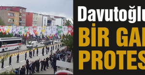 Davutoğlu#039;na bir garip protesto