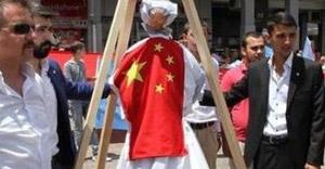 Ülkü Ocakları Mao'yu astı!