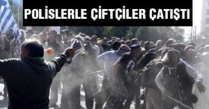 Atina'da Polislerle Çiftçiler Çatıştı