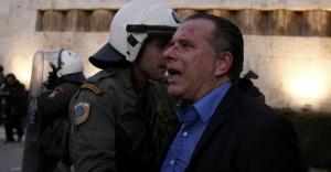 Atina'da 'soykırım' protestosunda milletvekili darp edildi