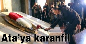 Aziz Sancar'dan Ata'ya Karanfil...